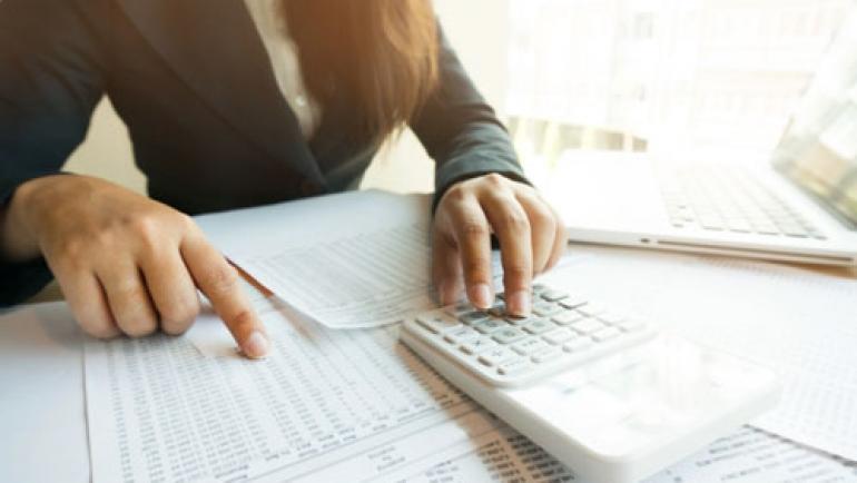 Zertifizierte Lohn- und Gehaltsbuchhalterin (IFU / IWIST) – Frau Barth